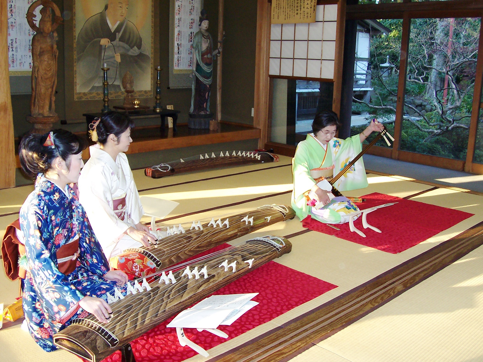 Learning The Koto – My Love For Japanese