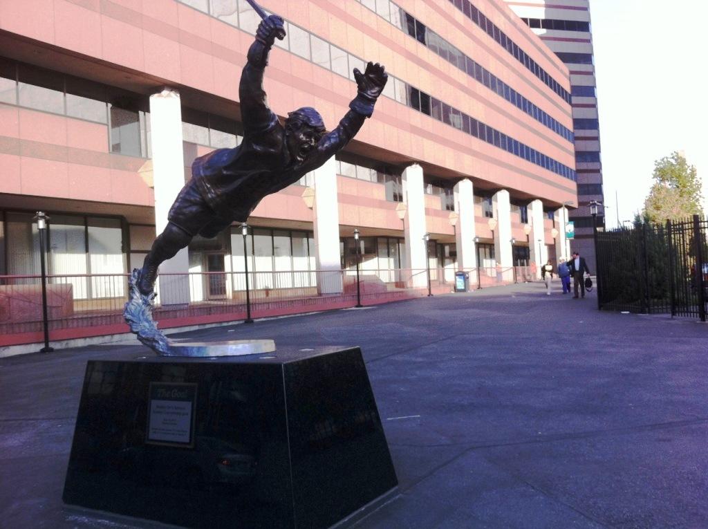 Statue honoring bobby orr 39 s famous stanley cup winning Maroon 5 td garden td garden october 7