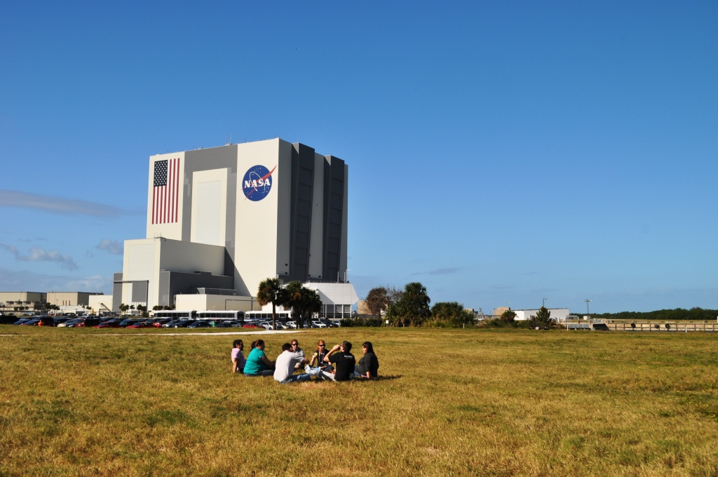 Tweeps Taking a Lunch Break, Kennedy Space Center, Fla., Nov. 25, 2011