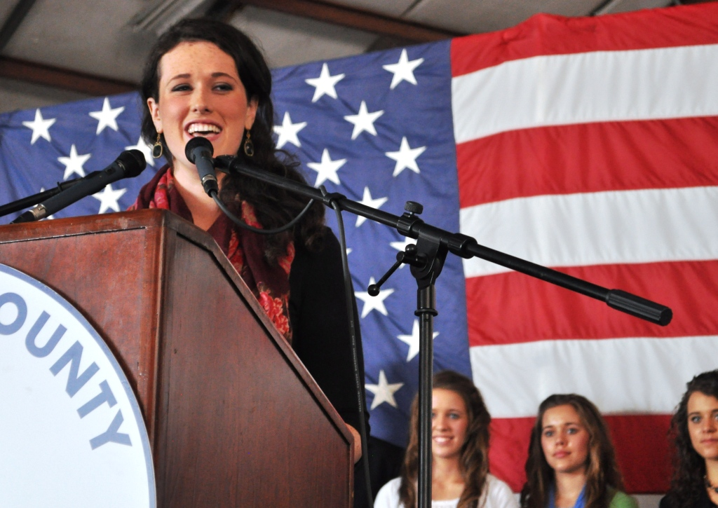Liz Santorum, Duggar Family Rally for Republican Presidential Candidate Rick Santorum in Sarasota, Fla.