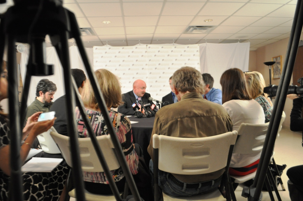 Capt. Mark Kelly Explains Recent Assault Weapon Purchase during Sarasota Press Conference